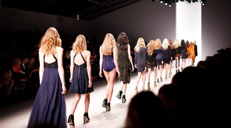 Koronavirus mění módní průmysl. Jak?