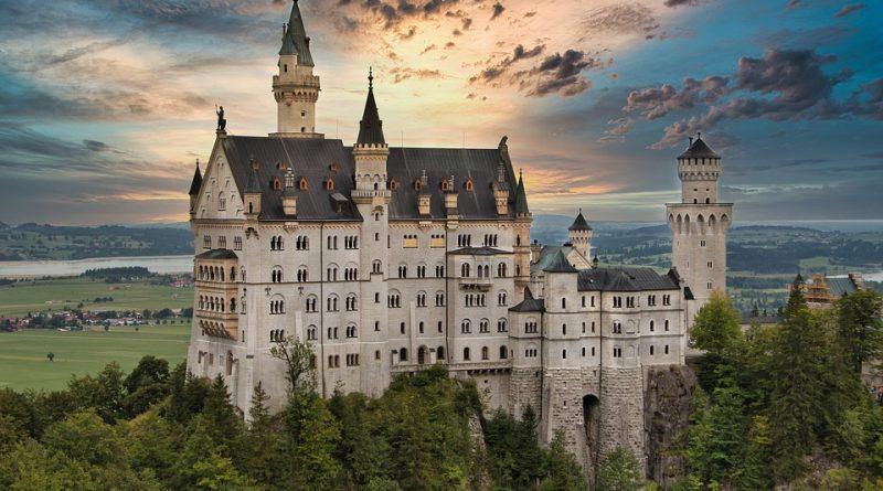 Pohádkové hrady a zámky Evropy. Na které budete ještě dlouho vzpomínat?