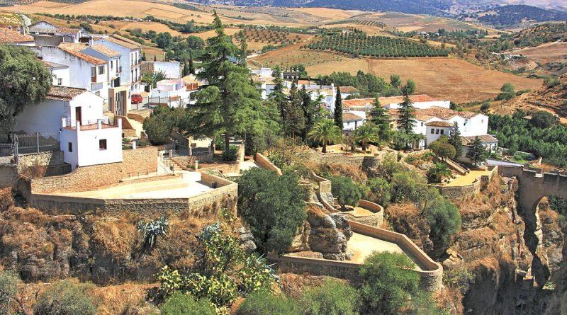 Ronda je skvostem uprostřed španělského venkova s pueblos blancos