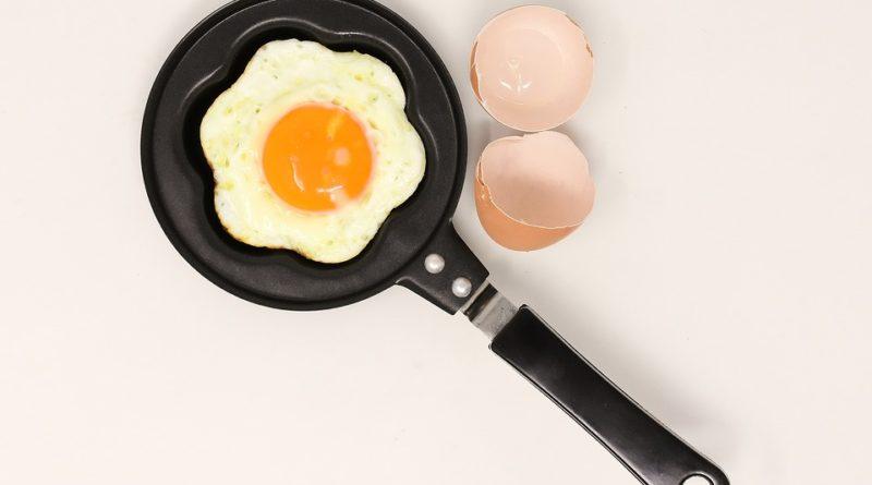 Vybavujete svou kuchyni? Nezapomeňte na kvalitní pánev